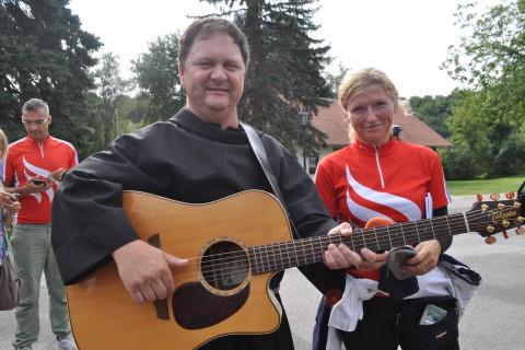 Foto utrinki prvega kolesarskega dneva Od Marije k Mariji