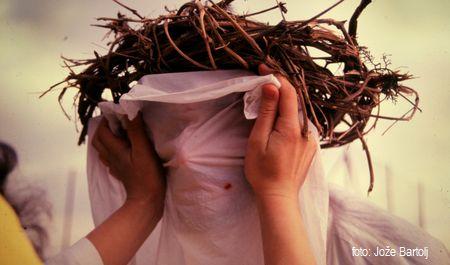 6. VERONIKA PODA JEZUSU POTNI PRT