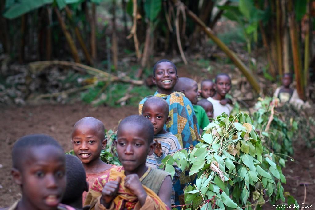 Dan med bogastvom obreda in revščino družin