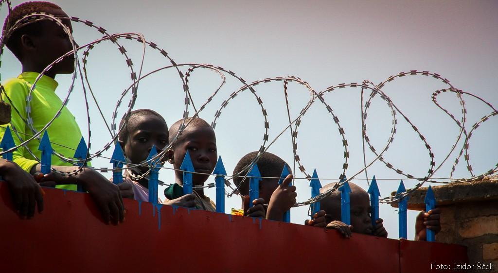 Selitve, migracije ... Take in drugačne